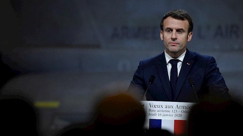 Emmanuel Macron Abucheado En Un Teatro De Paris