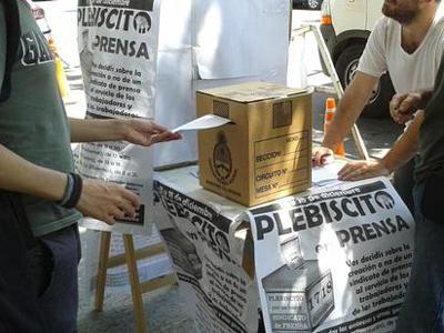 Amplia participación en el primer día del plebiscito de prensa