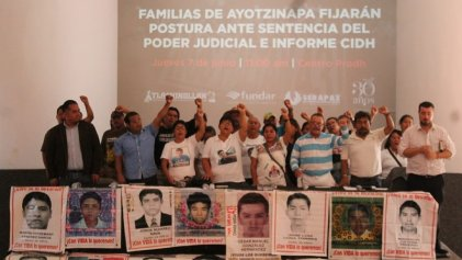 """Padres de Ayotzinapa: """"La verdad histórica quedó hecha pedazos"""""""