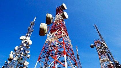 El Gobierno quiere dejar conformes a las telefónicas y a Clarín