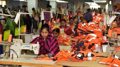 Trabajadoras textiles y portuarios de Bangladesh paralizan la producción