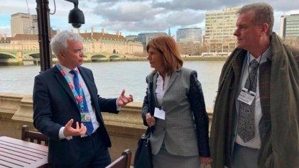 Bullrich en Londres: buscando una alianza con violadores seriales de derechos humanos