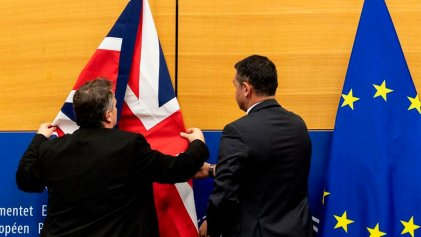 """La primera ministra británica pone a prueba su plan del """"brexit"""" ante el Parlamento"""