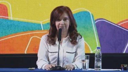 """Sin mención al FMI, CFK propuso """"un contrato social"""" con los empresarios que ajustan"""