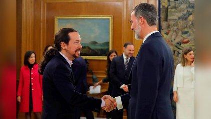 Las capitulaciones de Podemos a la monarquía y el régimen del Estado español