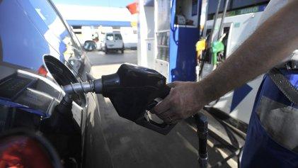 El petróleo se deprime, pero la nafta no bajará de precio