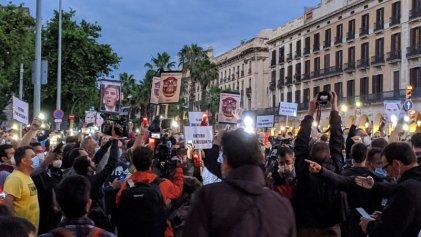 """Más de 1200 trabajadores recorren el centro de Barcelona al grito de """"¡Nissan no se cierra!"""""""