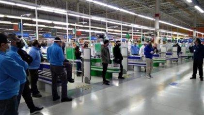 Walmart La Plata: tres trabajadores con Covid-19 y 48 aislados