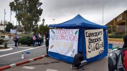 Docentes desocupados de La Pampa: Ziliotto miente y no da respuestas