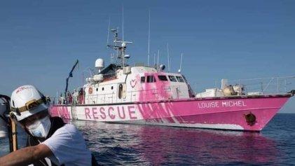 La última obra de Banksy: financia barco de rescate migrante en el Mediterráneo