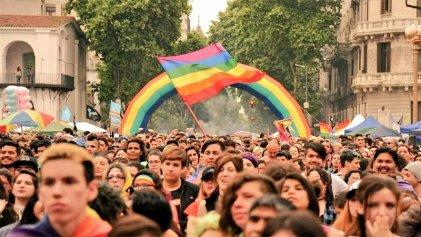 A retomar las calles: las personas LGTBI+ por derecho a vivienda y salud