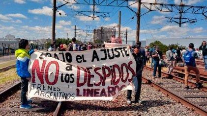 La justicia intima a trabajadores ferroviarios que luchan por su reincorporación