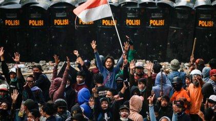 Rebelión en Indonesia desafía a la reforma laboral y ambiental