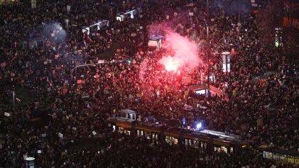 """Huelga de mujeres: """"En Polonia hay un incendio que surge de las mujeres, ya están hartas"""""""