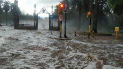 Temporal en Mendoza: las lluvias son naturales, las inundaciones no