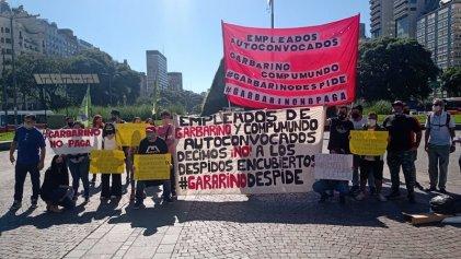 """Trabajadores de Garbarino concentraron en el Obelisco: """"Esto es un despido masivo encubierto"""""""