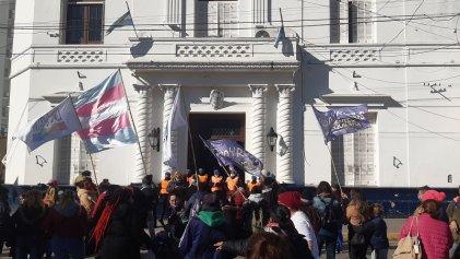 Pilar: Protestan contra la discriminación y por la reincorporación de Alexa