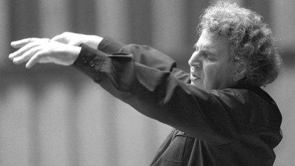 """¿Quién era Mikki Theodorakis, el reconocido compositor de """"Zorba el griego""""?"""