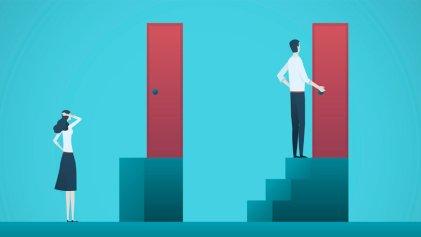 Lo que niega Milei: la brecha de ingresos entre varones y mujeres es del 30,6 %