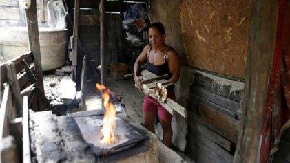 Los brasileños ya usan más leña que gas para cocinar
