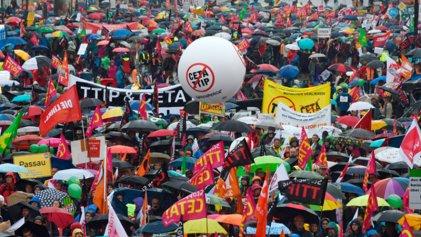 La firma del CETA, hermano menor del TTIP, se aplaza por bloqueo belga