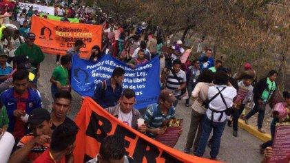 Marchan en Honduras a un año del asesinato de Berta Cáceres