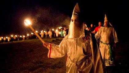 Ku Klux Klan llama a la matanza de homosexuales para acabar con el SIDA