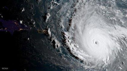 El huracán Irma avanza sobre las islas del norte del Caribe