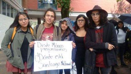México: estudiantes de Filosofía y Letras preguntan ¿dónde está Santiago Maldonado?
