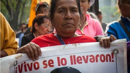 Madres de normalistas desaparecidos marcharon en Morelos
