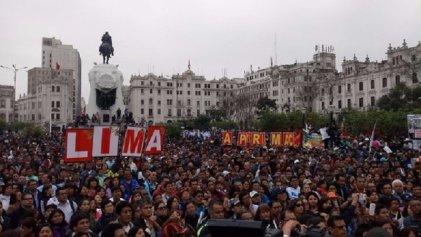 Magisterio peruano convoca a paro nacional el 25 de octubre