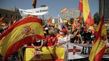 La extrema derecha se moviliza contra los indultos a los separatistas catalanes
