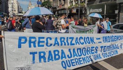 Puerto de Bs. As.: La burocracia sindical firmó acta a espaldas de 800 trabajadores