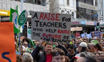 Nueva Zelanda: más de 50.000 docentes en huelga por mejores salarios y condiciones laborales