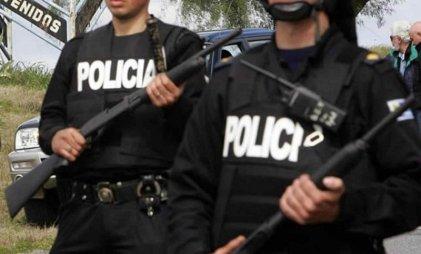 """La Policía golpea y detiene a integrante del grupo """"Los Peñaloza"""" en Rosario"""
