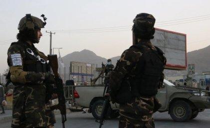 Afganistán: decenas de muertos en una explosión en la mezquita de Kunduz