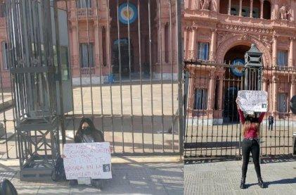 La joven tucumana que denunció por abuso sexual a Bussi se encadenó en Casa Rosada