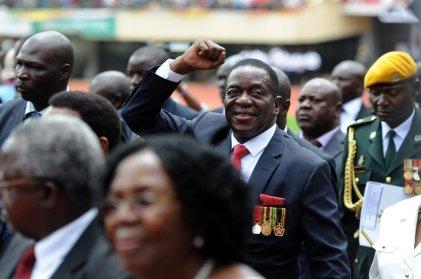 Emmerson Mnangagwa asumió como presidente interino de Zimbabwe
