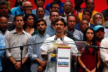 """El escandaloso seguidismo """"crítico"""" del PSL a la derecha venezolana"""