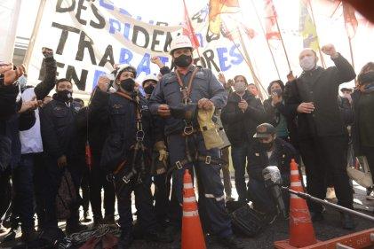 """Despedidos de Edesur: """"Somos técnicos especializados, pero el Gobierno nos ofrece planes"""""""