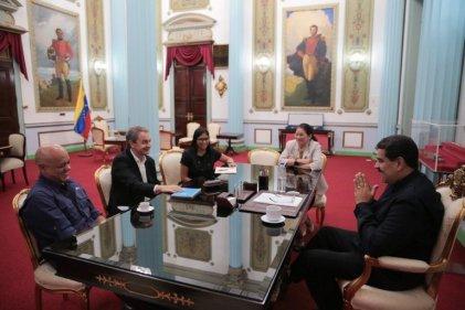 Las reuniones secretas entre el chavismo y la oposición continúan de la mano de Zapatero