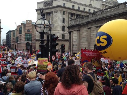 EndAusterityNow: thousands march against cuts in London