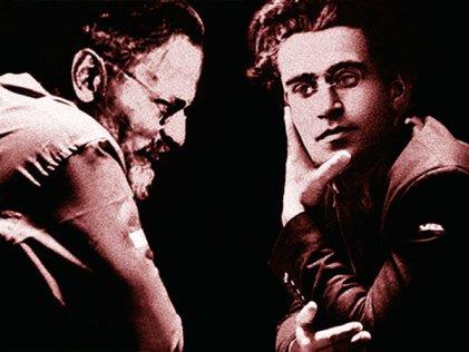 Gramsci, Trotsky y la democracia capitalista
