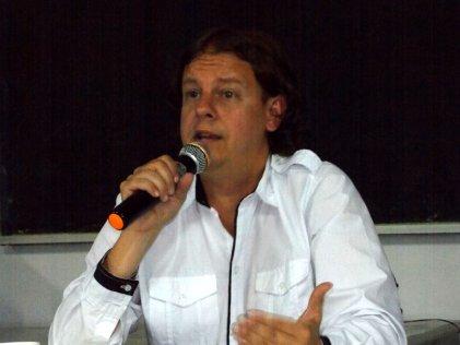 """Junto a Christian Castillo se presentó """"Marx ha vuelto, capitulo cero"""""""