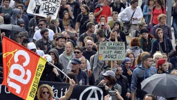 28J: los trabajadores franceses preparan una huelga general contra Macron
