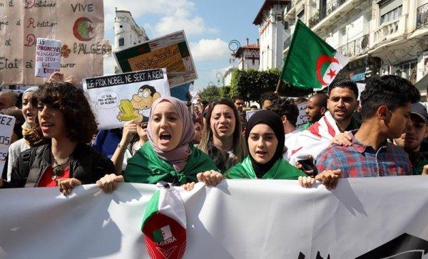 Argelia en la encrucijada: ¿nueva etapa en la movilización tras la renuncia de Bouteflika?