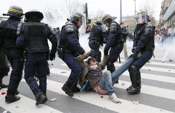 Libertad inmediata a los manifestantes contra la Cumbre del Clima en París. Abajo el estado de excepción