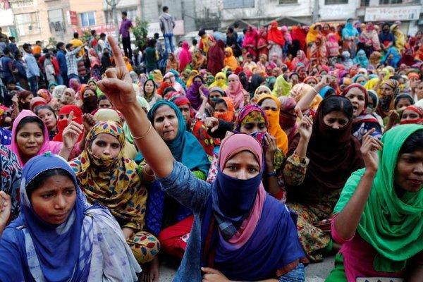 Las trabajadoras textiles de Bangladesh protestan por cuarto día consecutivo