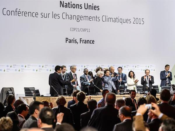 ¿Acuerdo histórico contra el cambio climático o farsa monumental?