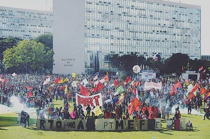 Il Movimiento Revolucionario de Trabajadores (MRT) del Brasile in lotta contro il golpe istituzionale. Brasilia, 2017.